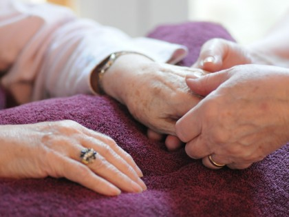 Comp Ther Hand Massage Feb2011